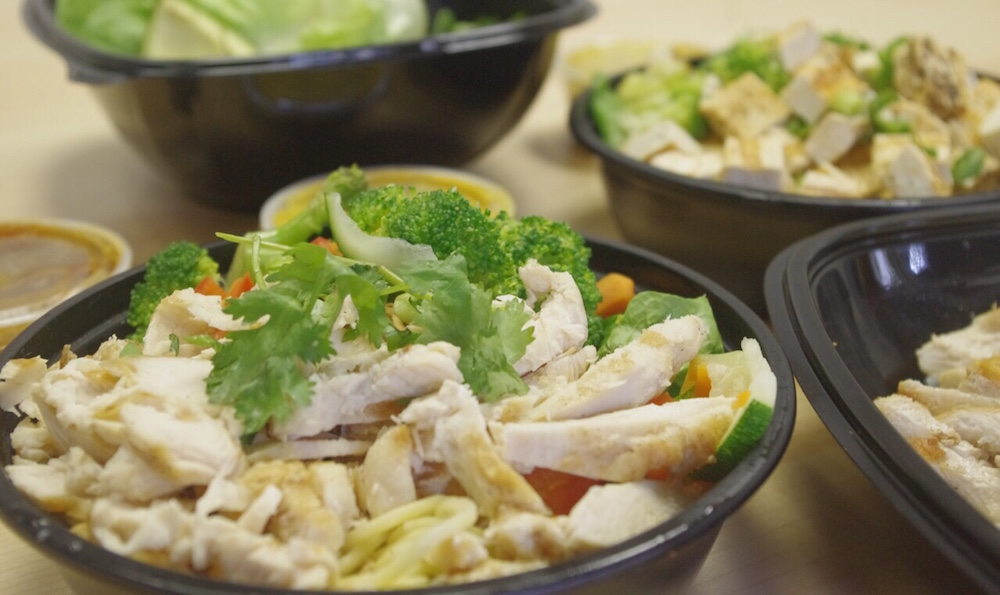 WHITE CHICKEN BUILD-YOUR-OWN BOWL