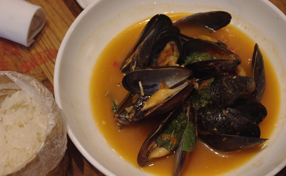 HOI OBH STEAMED MUSSELS